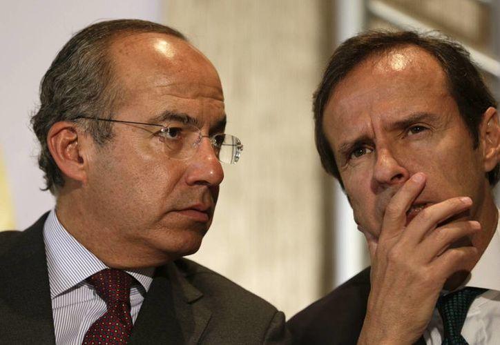 Los expresidentes de México y Bolivia, Felipe Calderón (izq) y Jorge Quiroga, expresaron su respaldo a los presos políticos en Venezuela. (AP)
