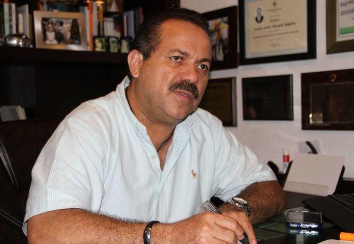 En días pasados,  Julián Ricalde se registró al Partido de la Revolución Democrática. (Archivo)