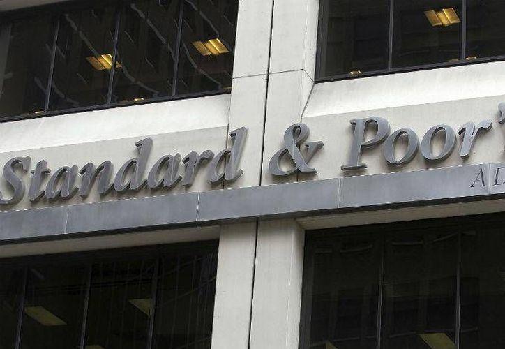 La firma Standard & Poor's bajó la calificación crediticia de México. (excelsior.com.mx)