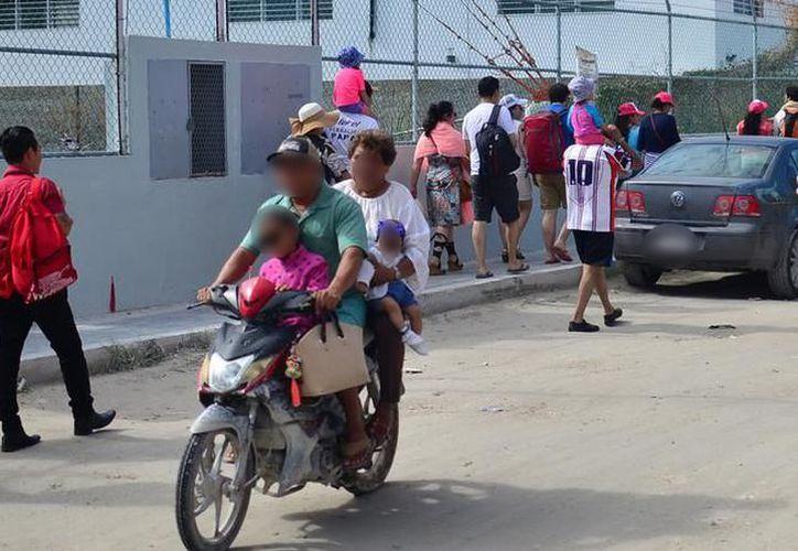 La motos no podrán transportar a personas menores de cinco años o que hayan cumplido dicha edad. (Archivo/Sipse)