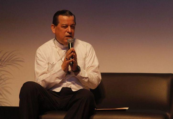 El Arzobispo Gustavo Rodríguez afirmó que en Yucatán la iglesia no se opone, sino que alienta la participación de todos sus integrantes en esta donación. (César Rodríguez/SIPSE)