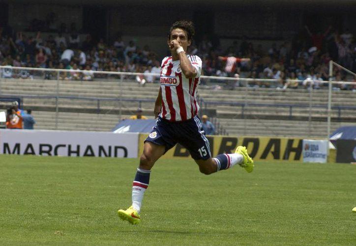 Aldo de Nigris, quien llegó incluso a estar en Selección Nacional, ha tenido un rendimiento paupérrimo con Chivas. (Notimex/Foto de archivo)