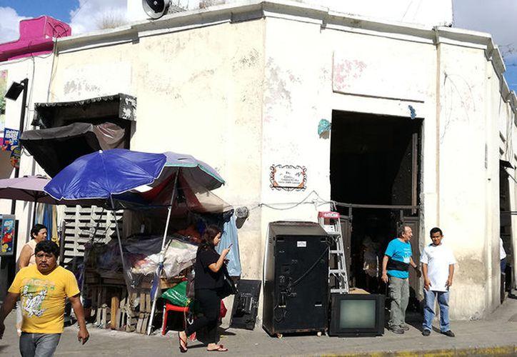 El establecimiento, en el parque Eulogio Rosado, hoy vende artículos navideños. (Foto: Adán Escamilla/SIPSE)