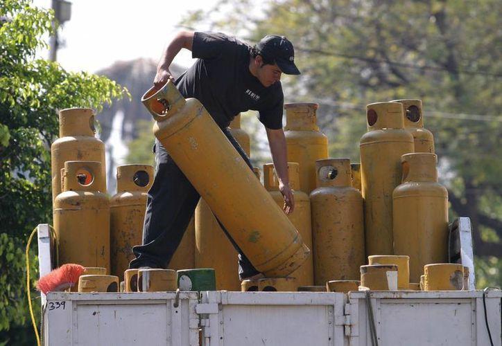 El gas LP es utilizado en el 70 por ciento de los hogares del país, lo que representa un golpe a la economía familiar. (elpopular.mx)