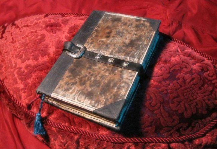 Una de las tantas ediciones del libro del Necronomicón. (Jorge Moreno/SIPSE)