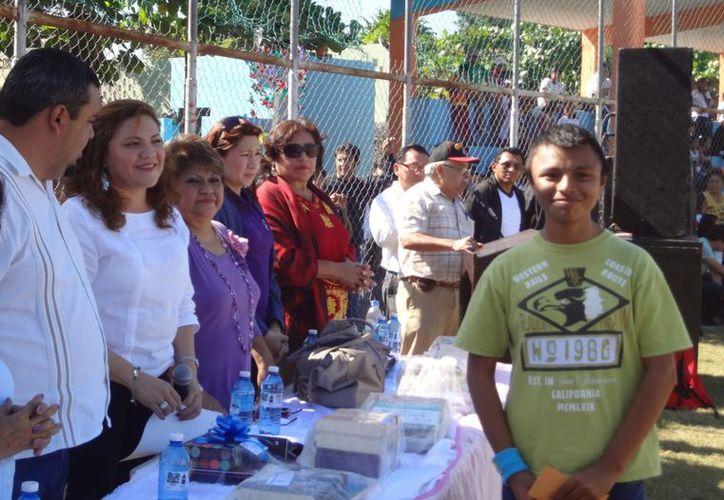 Ángel Jesús Canul Canché se adjudicó el tercer lugar con el ensayo titulado 'Vivir sin drogas es vivir'. (Cortesía)