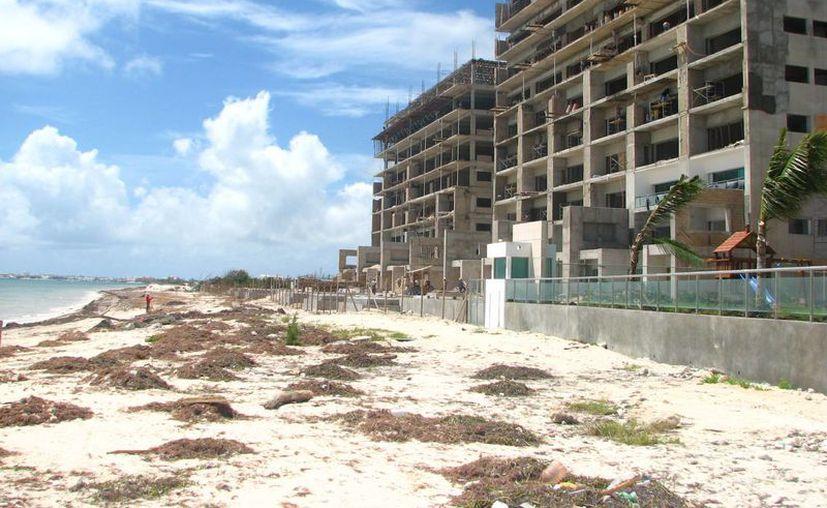 Los miembros de la Asociación de Hoteles estiman que en ocasiones el principal motivo para demoler los edificios es por una baja de perspectiva económica. (Sergio Orozco/SIPSE)