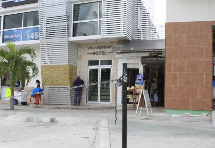 El centro de hospedaje entreguen su documentación para validarse y que se mantengan en regla. (Ángel Castilla/SIPSE)
