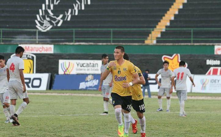Saúl Ramírez (foto) realizó su primer hat-trick de la temporada en Tercera División. El yucateco debutó hace unas semanas con el primer equipo de Venados FC.(Milenio Novedades)