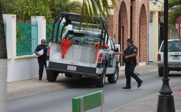 La mañana del miércoles se registraron en una sola cuadra cuatro robos. (Gustavo Villegas/ SIPSE)