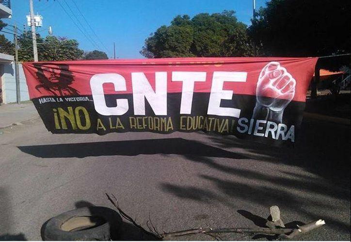 La sección 22 de la CNTE acordó por unanimidad mantener el paro de labores en las escuelas que tiene bajo su control en Oaxaca.  (twitter.com/Revista_Tucan)
