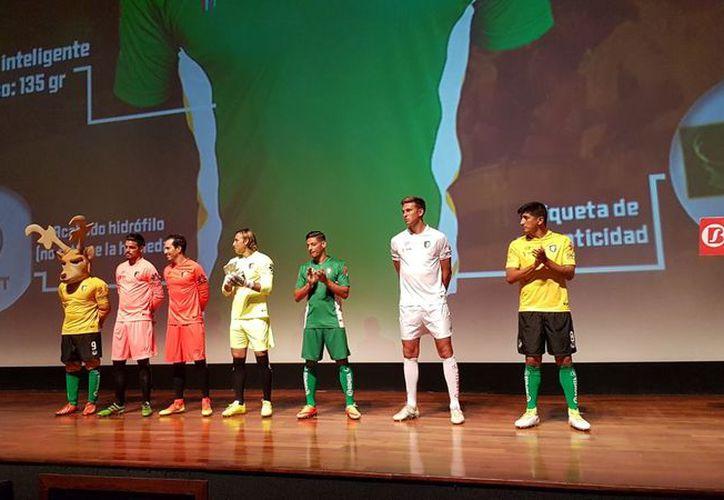 A cuatro días de que arranque el torneo los Venados ya tienen nueva piel, la cual estrenarán ante los Mineros de Zacatecas. (Marco Moreno/Milenio Novedades)