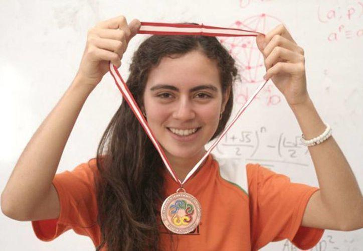 Olga Medrano Martín del Campo es la primera mexicana en ganar una Olimpiada de Matemáticas. (Facebook)