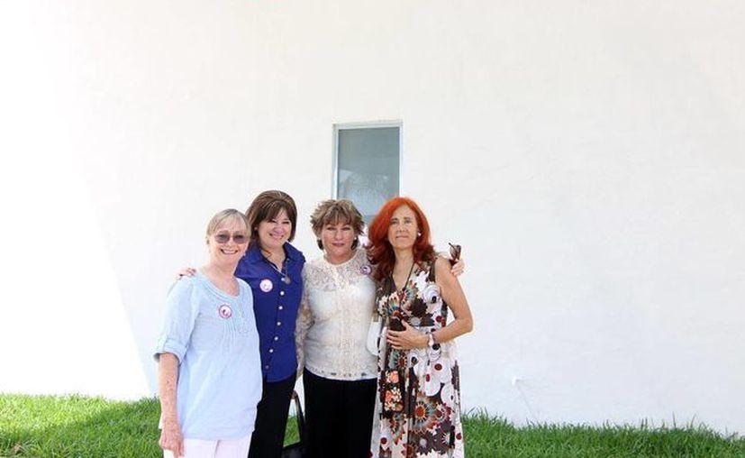 La primera actriz Susa Alexander (i) elogió el trabajo que se realiza en el CJM, junto a ella, la fiscal Celia Rivas. (SIPSE)