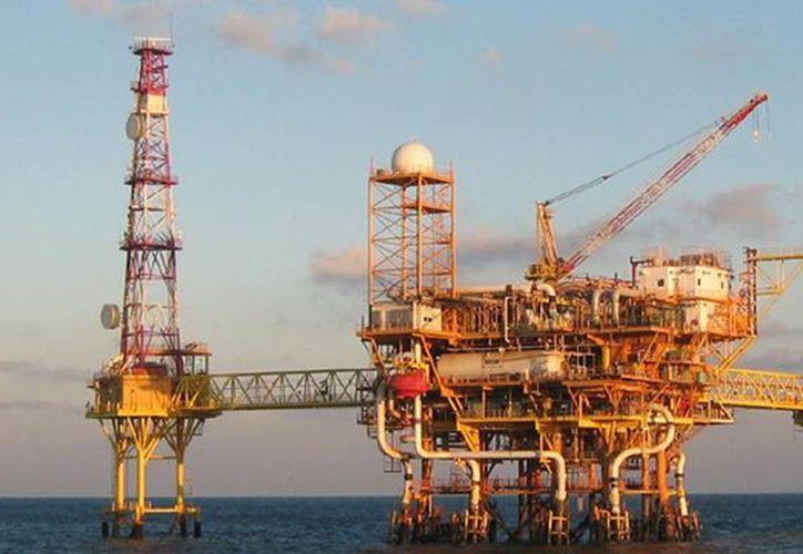 Plataformas petroleras de Pemex (Archivo/Agencias)