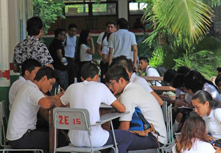 Actualmente las clases se imparten en las instalaciones de la secundaria Ocho de Octubre. (Israel Leal/SIPSE)