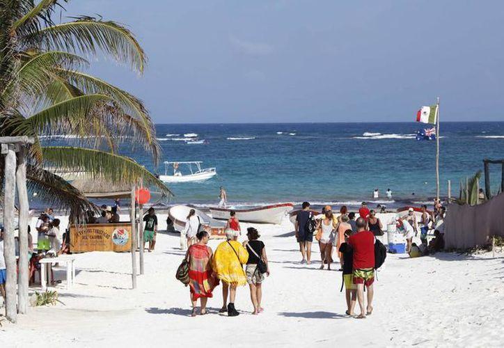 Turistas de todo el mundo visitaron Tulum durante Semana Santa. (Redacción/SIPSE)
